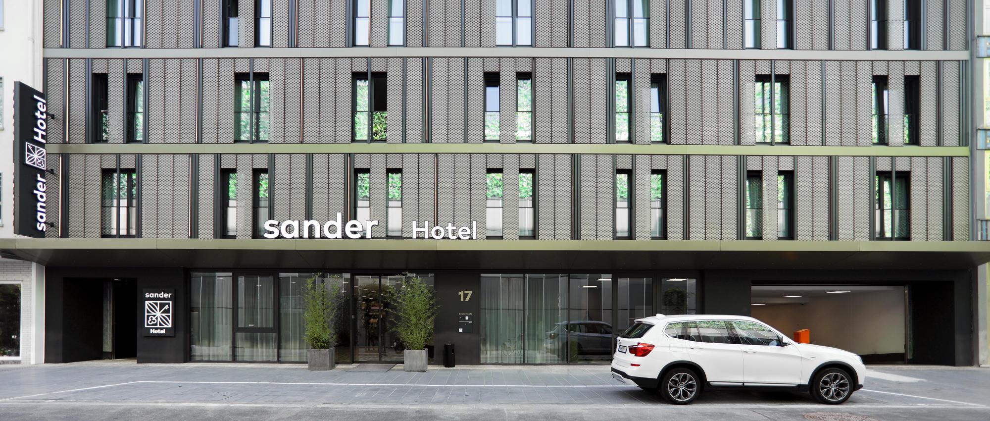 hotel-02b.jpg